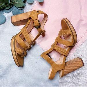 NWOT XOXO Braided Heeled Sandals